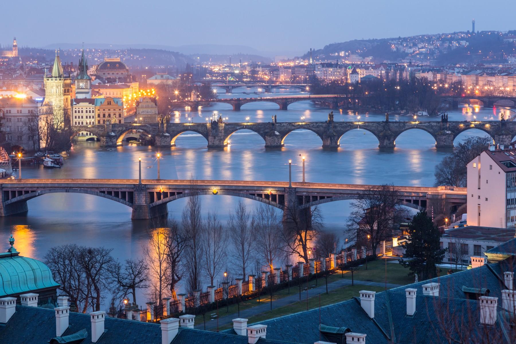 4tczq_Shutter Prague